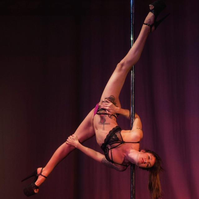 Amateur stripper pole new porn